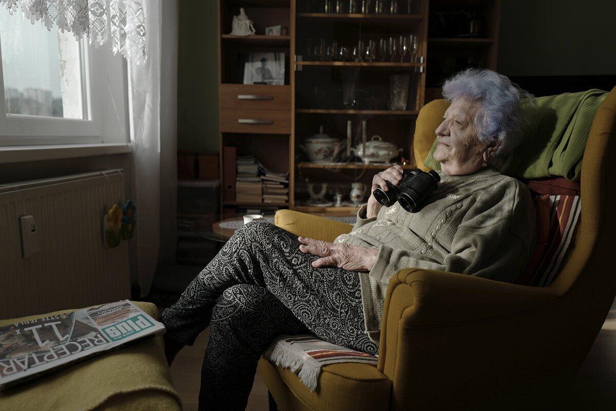 Sympatická babička s modrými vlasmi vďaka láske svojho vnuka kraľuje instagramu